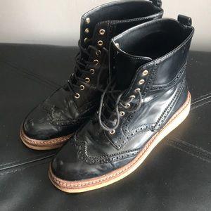 Zara Utilitarian Wingtip boot- Blk size 7